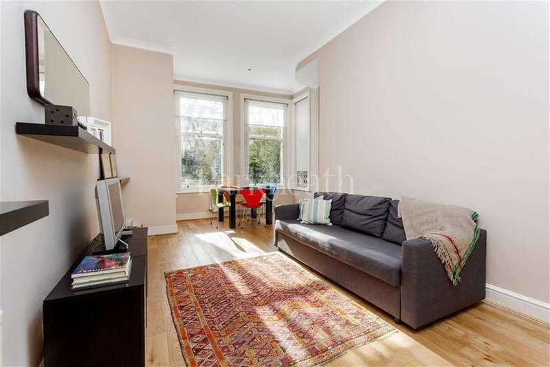 2 Bedrooms Flat for sale in Greencroft Gardens, South Hampstead, London