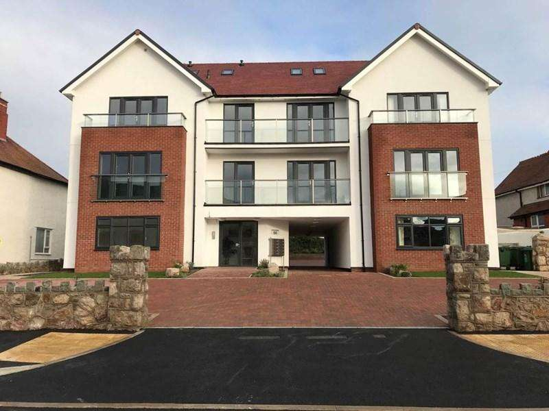 2 Bedrooms Apartment Flat for sale in Penthouse Sunnydowns Apartments Abbey Road, Rhos on Sea