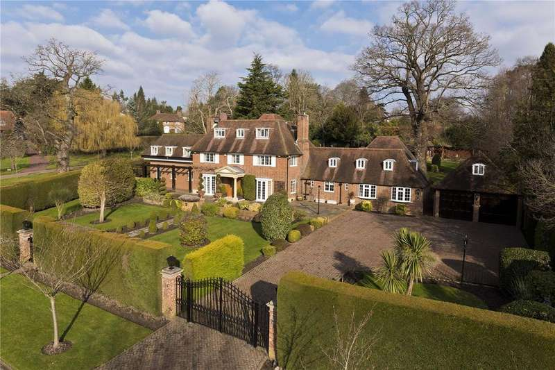 5 Bedrooms Detached House for sale in Clare Hill, Esher, Surrey, KT10