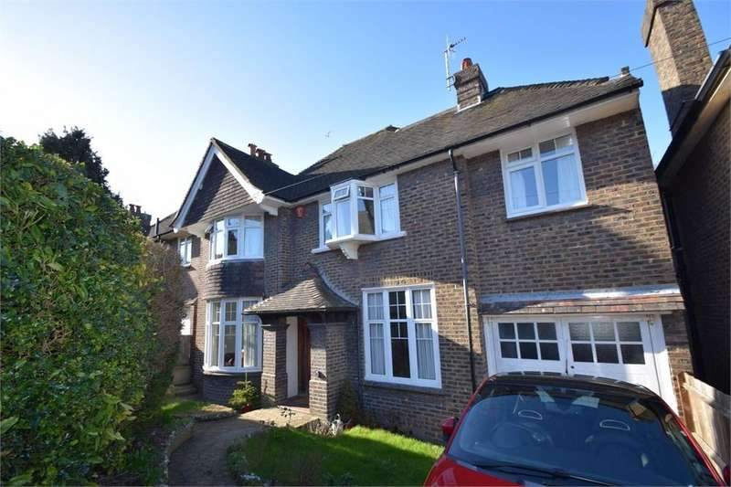 4 Bedrooms Detached House for sale in Kings Avenue, Upperton, East Sussex