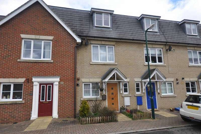 4 Bedrooms Terraced House for sale in Coopers Cresent, Great Notley, Braintree, CM77