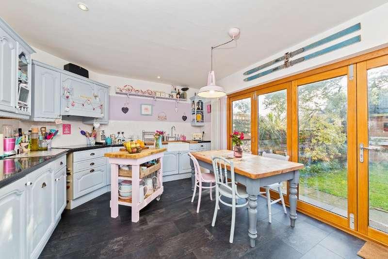 3 Bedrooms Semi Detached House for sale in Park Street, Ampthill, MK45 2LR
