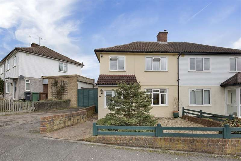 3 Bedrooms House for sale in Mansfield Drive, Merstham, RH1 3JX