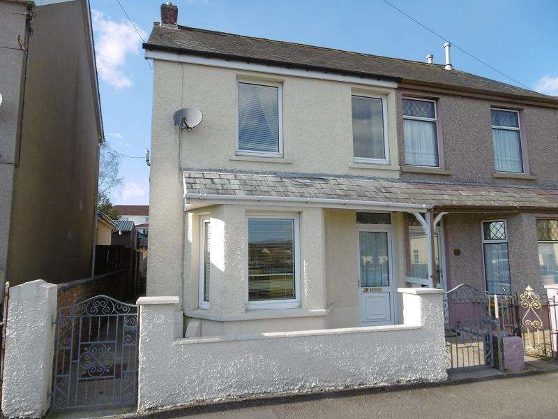3 Bedrooms Semi Detached House for rent in Woodfield Road, Llandybie, Ammanford, Carmarthenshire.