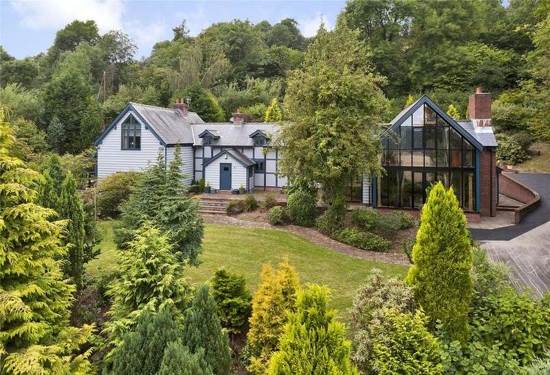 5 Bedrooms Detached House for sale in Llanfair Caereinion, Welshpool, Powys, SY21