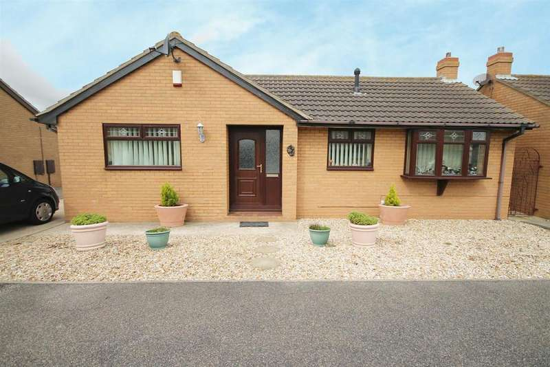 2 Bedrooms Detached Bungalow for sale in The Green, Mablethorpe, Lincolnshire