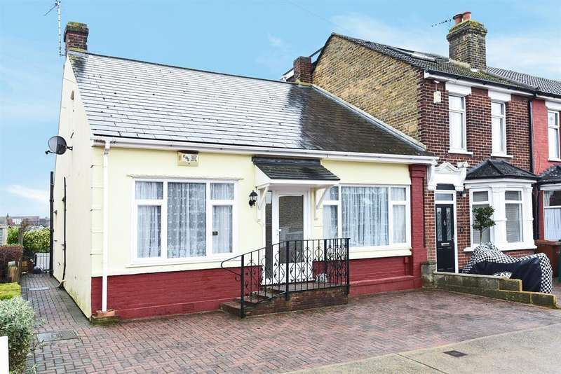 3 Bedrooms Semi Detached Bungalow for sale in Lansdowne Road, Chatham