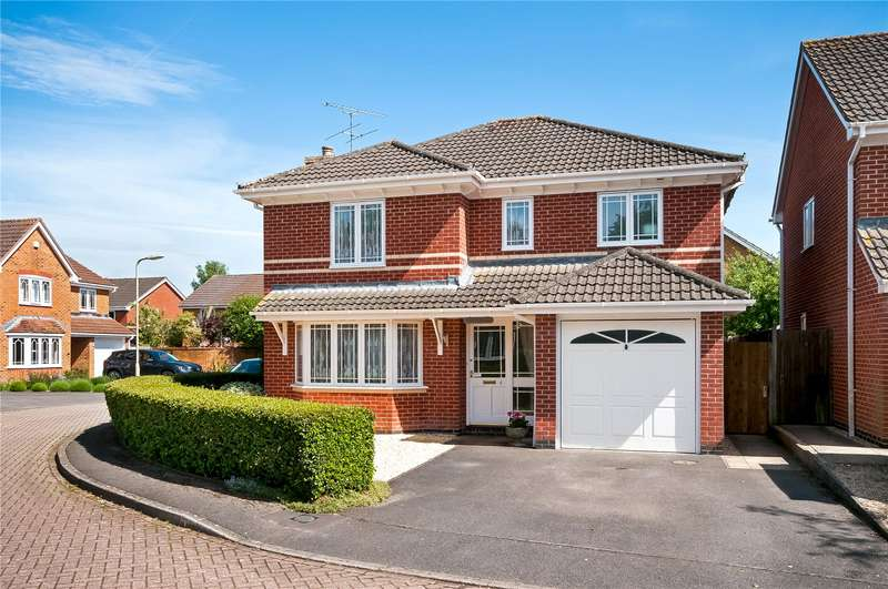 4 Bedrooms Detached House for sale in Rowse Close, Romsey, Hampshire, SO51
