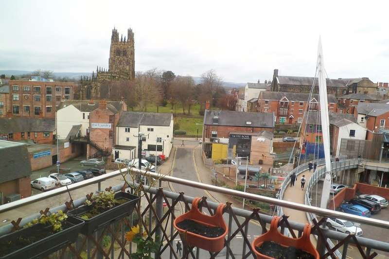 2 Bedrooms Flat for sale in Eagles Court, Wrexham, LL13