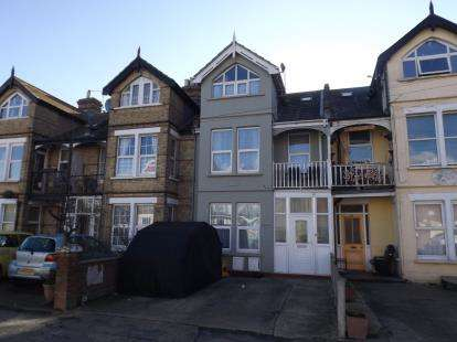 6 Bedrooms Terraced House for sale in Clacton On Sea, Essex