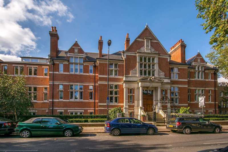 Studio Flat for sale in Camberwell Grove, Camberwell Green, SE5