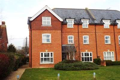 2 Bedrooms Flat for rent in Bishops Waltham