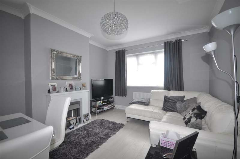 2 Bedrooms Ground Flat for sale in Timbercroft Lane, , London