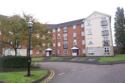 2 Bedrooms Flat for rent in St Davids Court, Cheetham Hill, M8