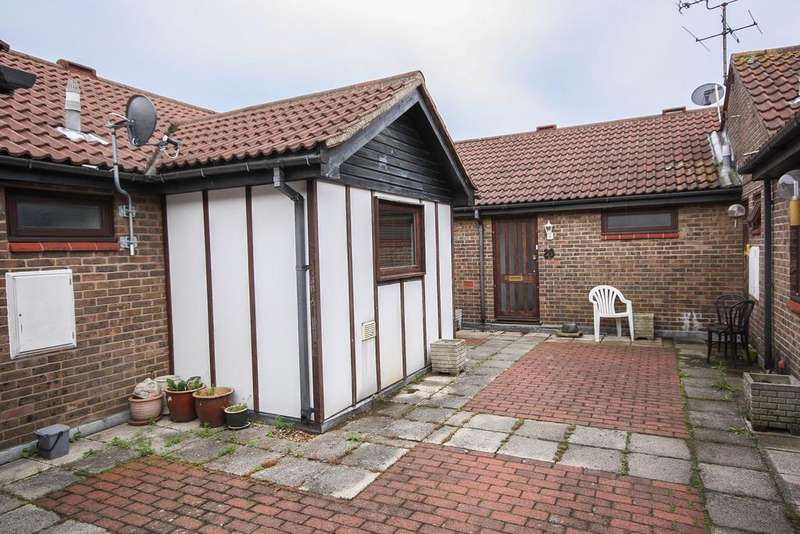 2 Bedrooms Apartment Flat for sale in Billericay CM12