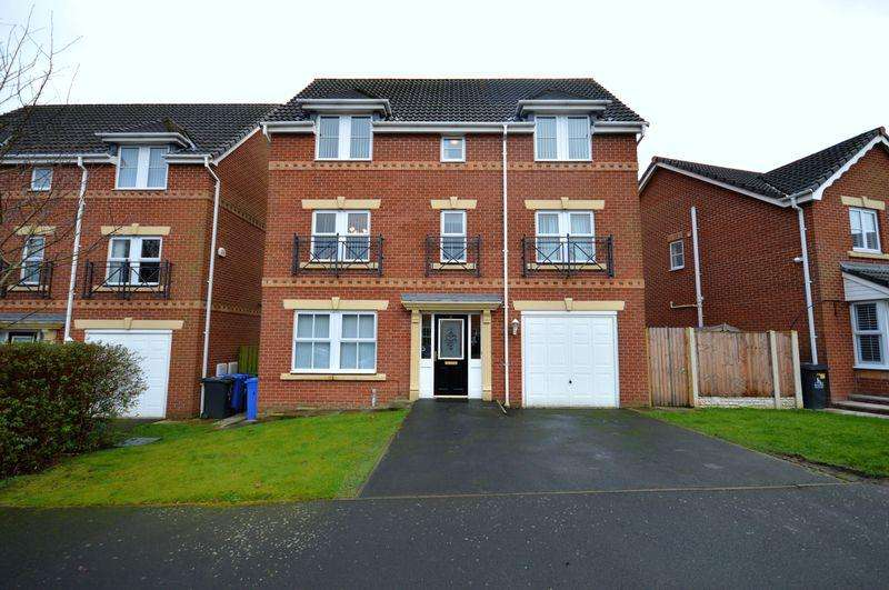 4 Bedrooms Detached House for sale in Fillmore Grove, Widnes