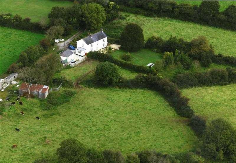 5 Bedrooms Detached House for sale in Tremodrett, Roche, St Austell, Cornwall, PL26