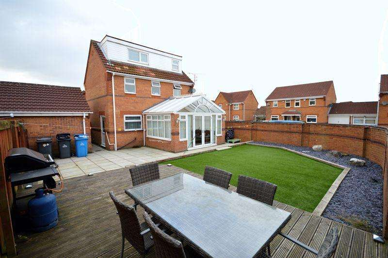 4 Bedrooms Detached House for sale in Durlston Close, Widnes.