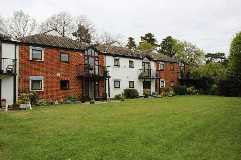 1 Bedroom Apartment Flat for sale in Tadworth