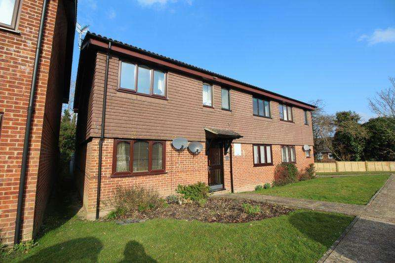 1 Bedroom Apartment Flat for sale in Junction Close, Burgess Hill