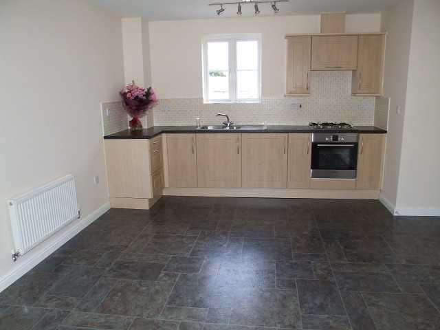 2 Bedrooms Apartment Flat for rent in Picked Mead, Corsham, Wiltshire, SN13 9WF