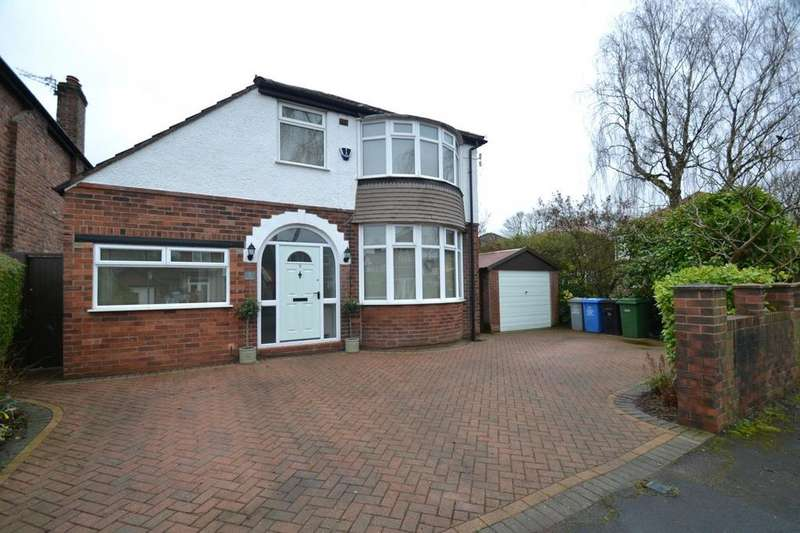 3 Bedrooms Detached House for sale in Central Avenue, Sale