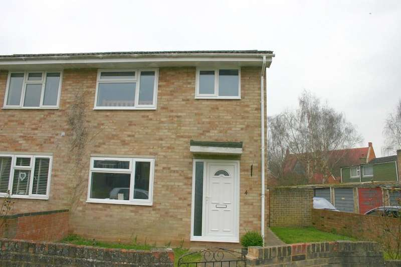 3 Bedrooms Semi Detached House for rent in Orchard Park Close, Hungerford