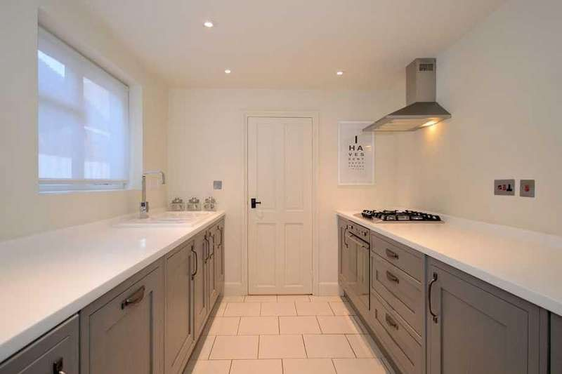 3 Bedrooms Terraced House for rent in Wye, TN25