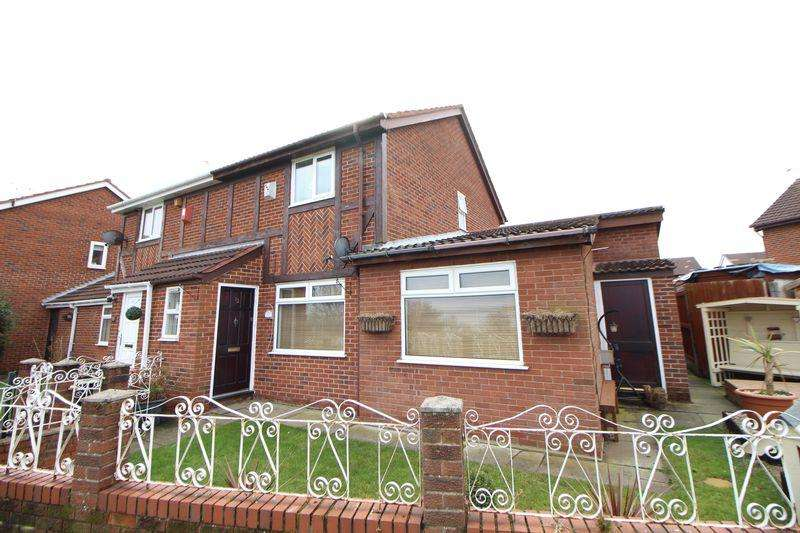 3 Bedrooms Semi Detached House for sale in Scythia Close, New Ferry