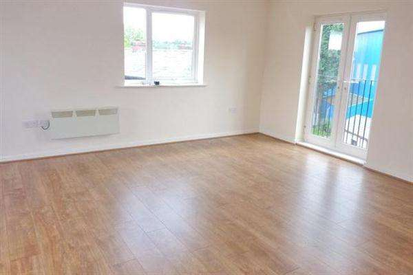 3 Bedrooms Apartment Flat for rent in Newbridge Close, Manchester