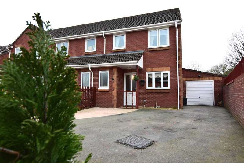 3 Bedrooms Semi Detached House for sale in The Retreat, Caldicot