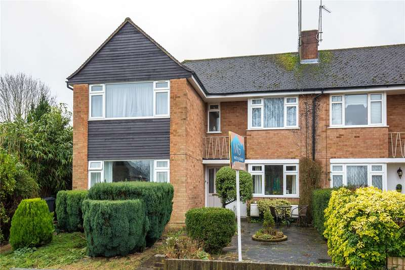 2 Bedrooms Maisonette Flat for sale in Gladeside, Winchmore Hill, London, N21
