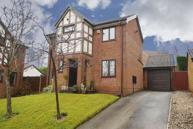 3 Bedrooms Detached House for sale in Templecombe Drive, Sharples