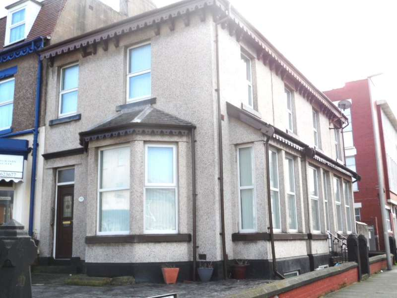 3 Bedrooms End Of Terrace House for sale in Hornby Road, Blackpool, FY1 4QP
