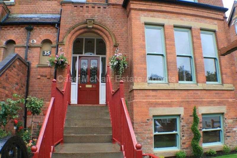 2 Bedrooms Duplex Flat for rent in 35 Rectory Road, Crumpsall, Manchester, M8 5EA