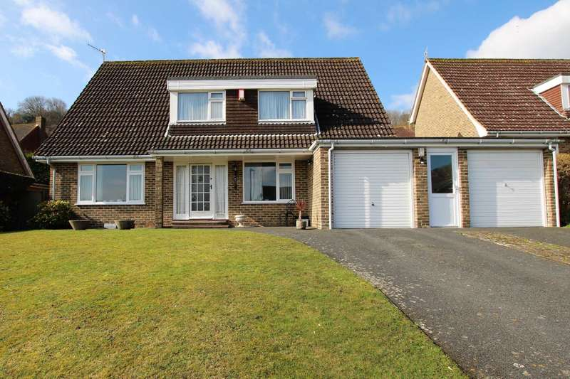 4 Bedrooms Detached House for sale in Wells Close, Eastbourne, BN20 7TX