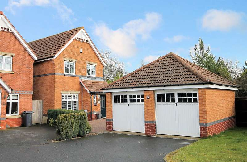3 Bedrooms Detached House for sale in Ascot Drive, Dosthill, Tamworth, B77 1QL