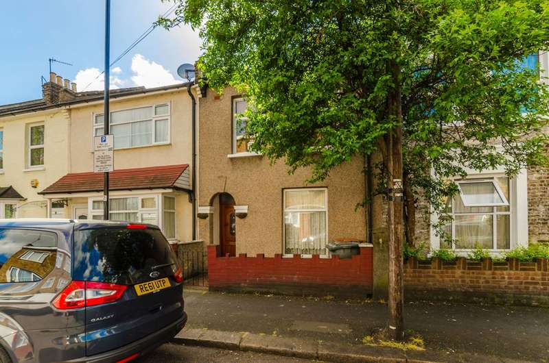 3 Bedrooms House for rent in Dean Street, Forest Gate, E7