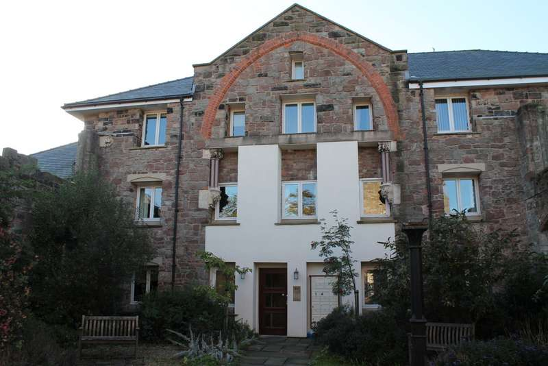 2 Bedrooms Apartment Flat for rent in Trinity House, Trinity Gardens, Frodsham WA6
