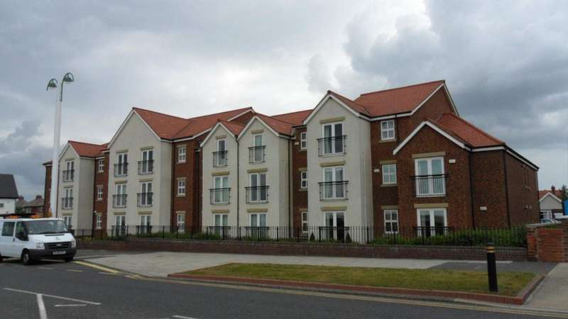 2 Bedrooms Apartment Flat for rent in Bay Court