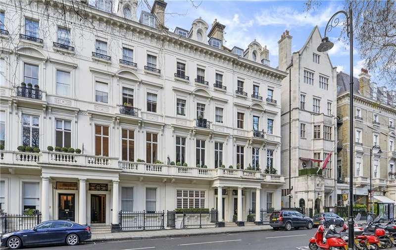 3 Bedrooms Flat for sale in Palace Gate, London, W8