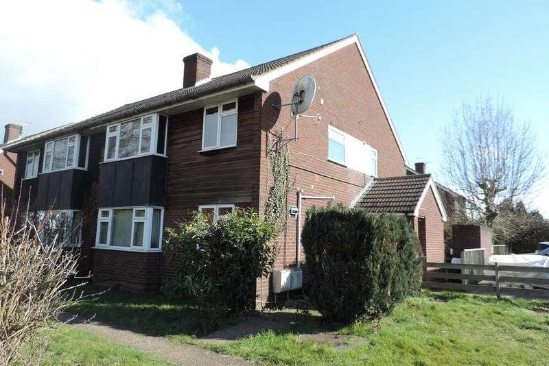 2 Bedrooms Maisonette Flat for rent in High Street EN6
