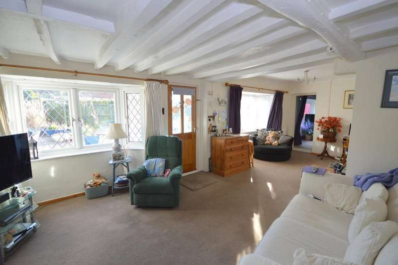 5 Bedrooms Detached House for sale in Queens Corner, West Mersea