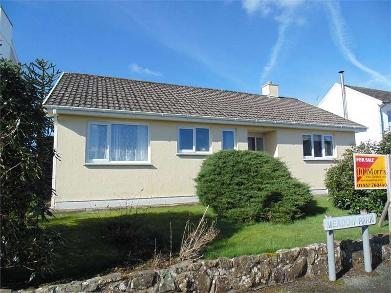 3 Bedrooms Detached Bungalow for sale in 6 Meadow Park, Treffgarne, Pembrokeshire