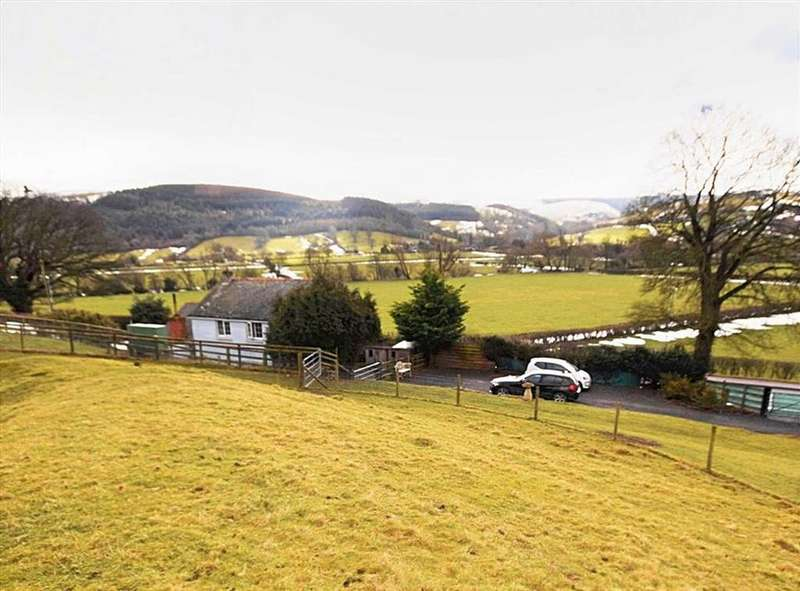 2 Bedrooms Cottage House for sale in Fronserch, Sarn, Newtown, Powys, SY16