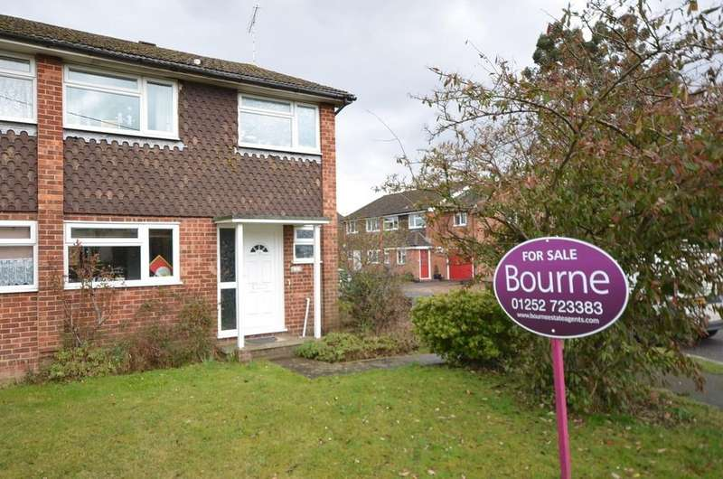 3 Bedrooms Semi Detached House for sale in Lower Weybourne Lane, Badshot Lea