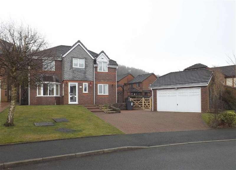 4 Bedrooms Detached House for sale in Badgers Close, Huncoat