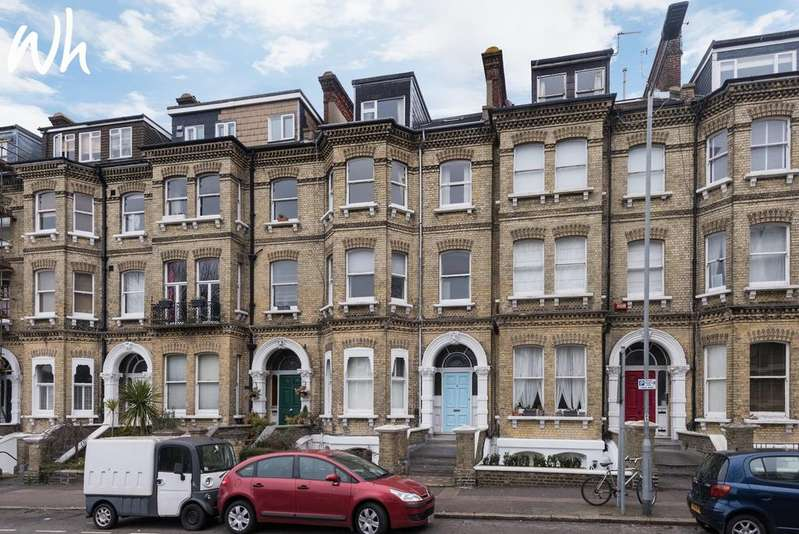 2 Bedrooms Flat for sale in Cromwell Road, Hove BN3
