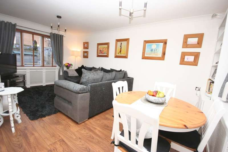 2 Bedrooms Terraced House for sale in Manfield Street, Stockton-On-Tees, TS18