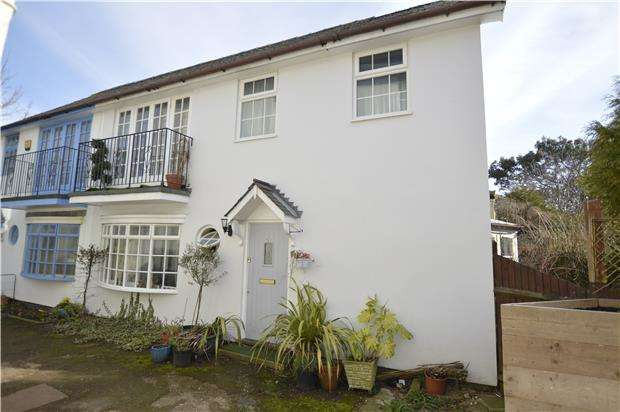 3 Bedrooms Semi Detached House for sale in Clyde Road, ST LEONARDS-ON-SEA, East Sussex, TN38 0QE